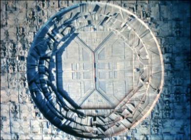 Dyson Sphere - Star Trek The Next Generation - Relics (1992)